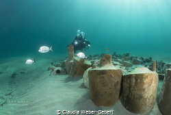 antique amphores - a new divesite was created in the bay ... by Claudia Weber-Gebert